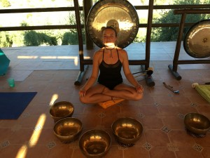 Chloe of My Happy Body with her singing bowls and gongs